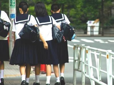女子高生たち